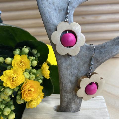 Kukkais-korvakorut, pinkki