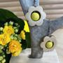 Kukkais-korvakorut, keltainen