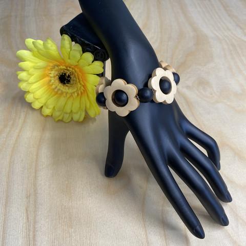 Kukkais-rannekoru, musta