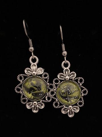 Kynsilakka korvakorut kukka vihreä