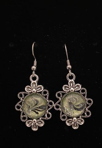 Kynsilakka korvakorut kukka vaaleanvihreä
