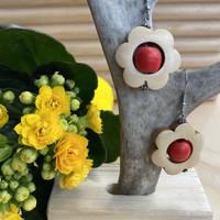 Kukkais-korvakorut, punainen