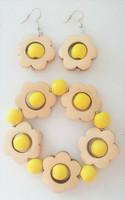 Kukkais-korusetti, keltainen