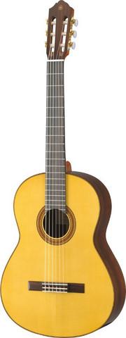 Yamaha CG182S Nylonkielinen kitara 4/4-koko