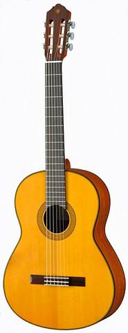 Yamaha CG122MS  Nylonsträngad gitarr 4/4-storlek