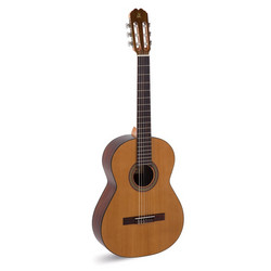 Admira Malaga Nylonsträngad gitarr 4/4-storlek