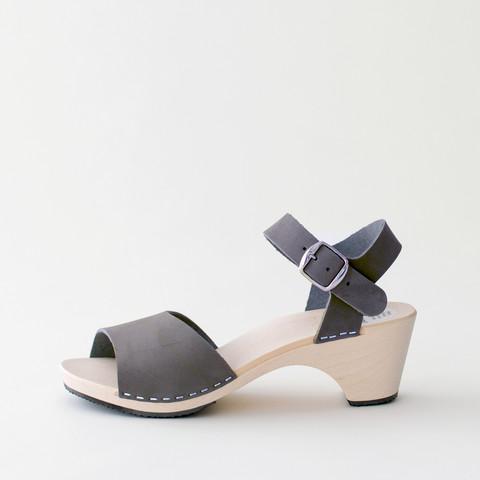 Wooden sandal Paula, soft granite (nubuck)