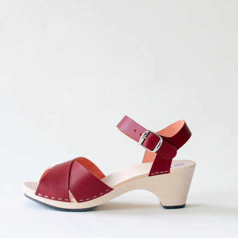 Wooden sandal Laura, burgundy (vegetable-tanned)