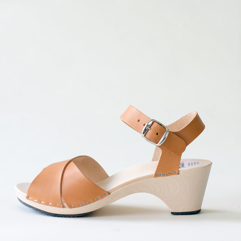 Wooden sandal Laura, caramel (vegetable-tanned)