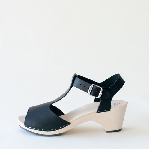 Wooden sandal Sofia, salty liquorice (vegetable-tanned)