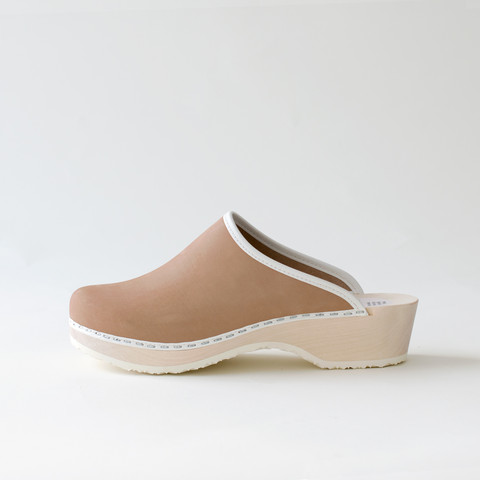 Clogs, latte (nubuck)