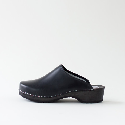 Clogs, double black
