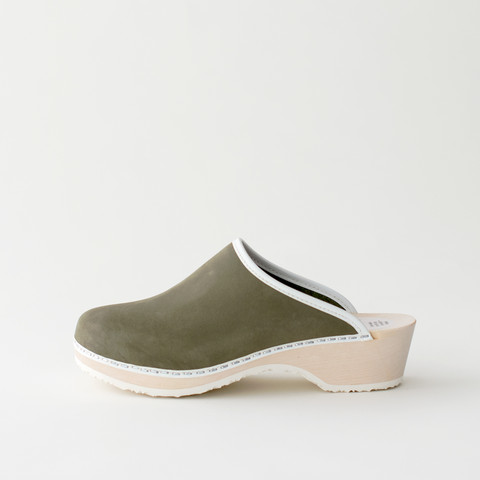 Traditional clog, olive (nubuck)