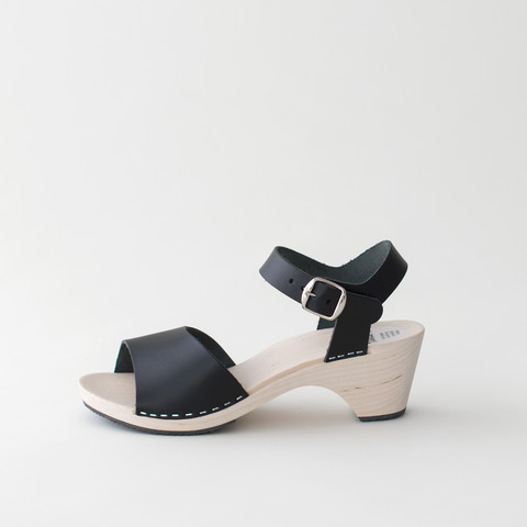 Wooden sandal Paula, salty liquorice (vegetable-tanned)