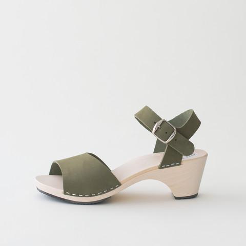Wooden sandal Paula, olive (nubuck)