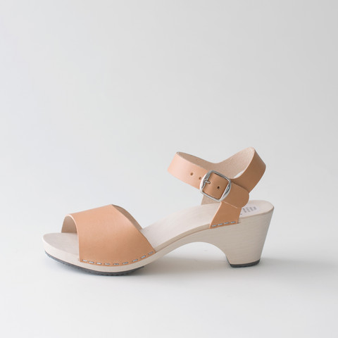 Wooden sandal Paula, caramel (vegetable-tanned)