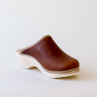 Clogs, vintage syrup (vegetable-tanned)