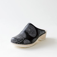 Traditional clog, Jatuli black