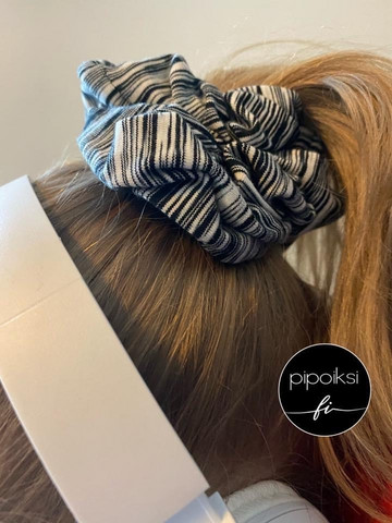 Ready made product. Scrunchie, selection