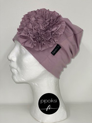 Custom made product. Rosette beanie.