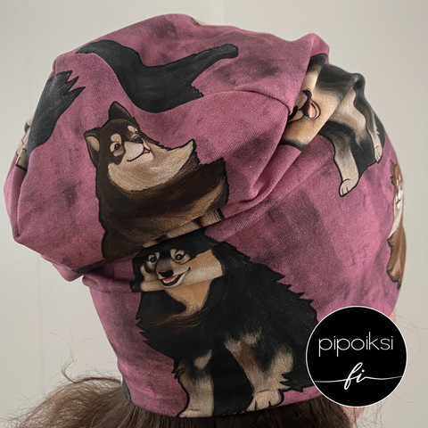 Custom made product. Wrinkled beanie, Finnish Lapphunds. Several colors.