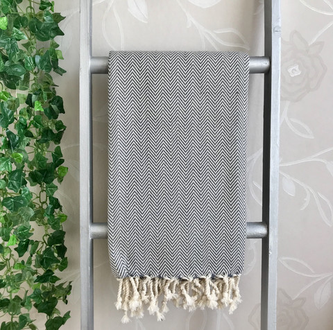 CRYSTAL Zigzag Handloomed Hammam Towel White Grey