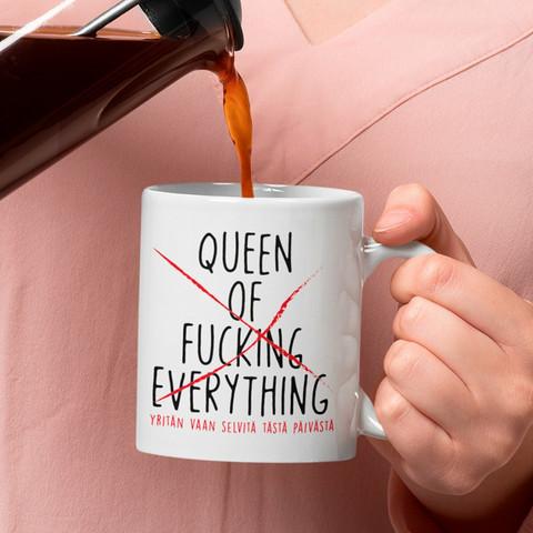 Kahvikuppi - Q niinkuin quningatar