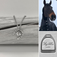 Onni - Moment horseshoe necklace 45cm