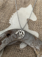Onni - My love letter horseshoe necklace 45cm, (silver color letter)