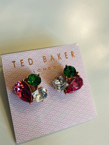 Ted Baker- Carna, korvakorut. Swarovski kristalli