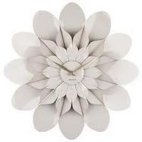 Karlsson- Seinäkello.  Flower Plastic, Warm Grey 60 cm