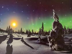 Iso led-taulu revontuli Suomi (ajastin)