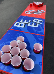 Beer pong pöytä - mukipaikat rei'illä SINIPUNA