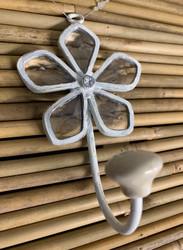 Koristeellinen koukku, kukka