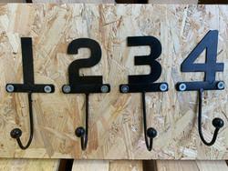 1234-koukkusarja, metallia