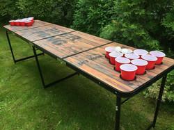 Beer pong pöytä mukipaikat rei'illä - puukuviointi (käytetty)