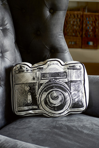 Classic Camera Pillow Riviera Maison
