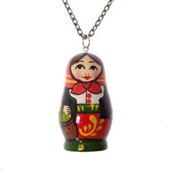 Käsinmaalattu perinteinen venäläinen maatuskakaulakoru
