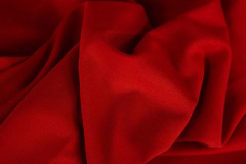 Punainen, resori