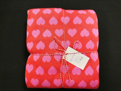 Puna-pinkki sydänneulos 120*160cm