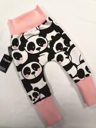 Vaaleanpuna poskiset panda baggyt