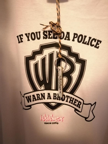 HörhöWear Warn A Brother