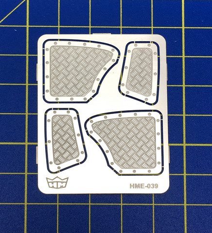 HME-039, Aluminium rear panels