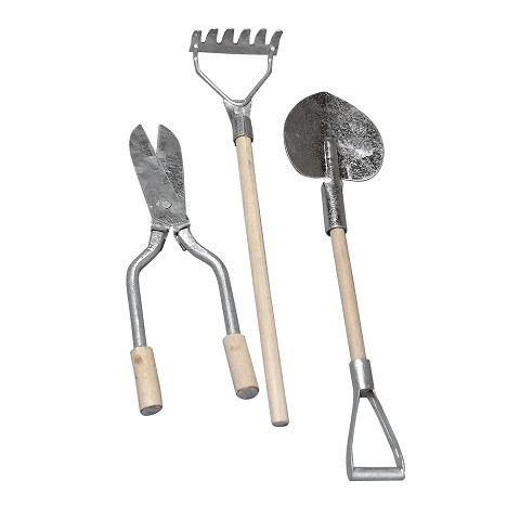 Metallic-wooden garden tools