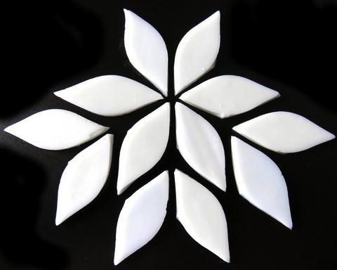 Small petals, White, 12 pcs