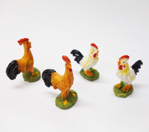 Polyresin Roosters, 4 pcs