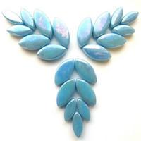 Petals, Mid Turquoise, Iridised, 50 g