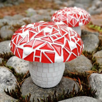 Mosaic Mushroom, Red DIY