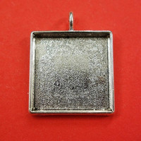 Riipuspohja, 23 mm, neliö, väri antiikkihopea