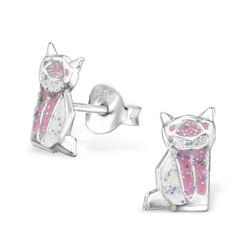 Hopeiset korvanapit, Vaaleanpunainen kissa